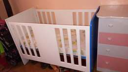 Very Smooth Baby Cot