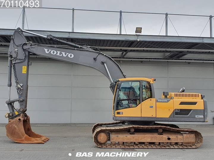 Volvo EC250 D L Form first owner - 2012 - image 6