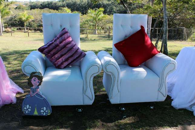 4 king and Queen chairs package Rossburgh - image 8