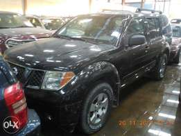 Extremely Clean Nissan Pathfinder Full Options