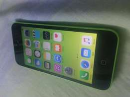Very clean apple iphone 5C in perfect working state!