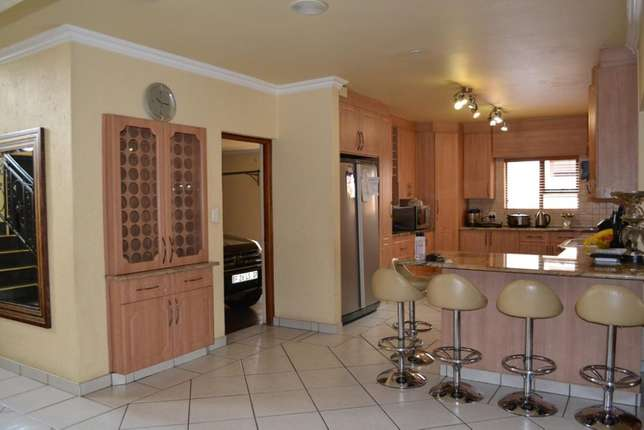 Home is were your story begins,this is a once in a lifetime opertunity Sunward Park - image 4