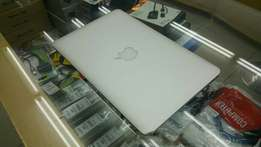 """Macbook air 11"""" 2014 Core i5 1.6GH. 128ssd. Come visit our store"""