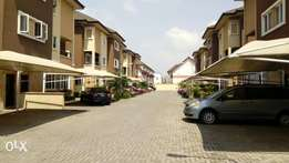 4bedroom duplex to with swimming pool gym & bq for rent in Elegushi