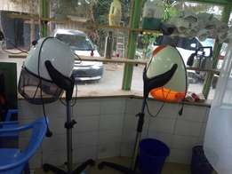 Saloon and barbershop together in caren just for 80k