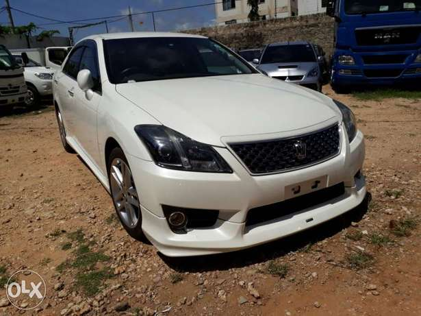 Brand new Crown Athlete with body kit Mombasa Island - image 1