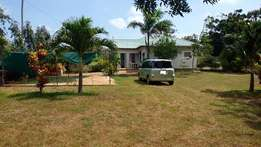 3 bedrooms in 1 acre to let 30k
