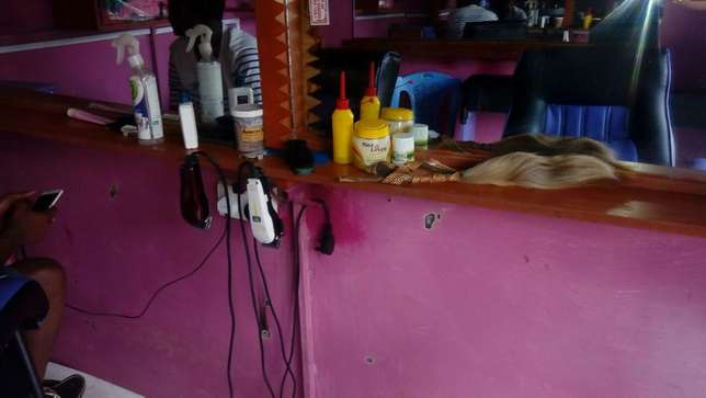 Quick Sale Barber Shop Githurai 44 - image 6