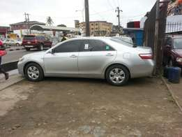 20009 toyota camry at good prize