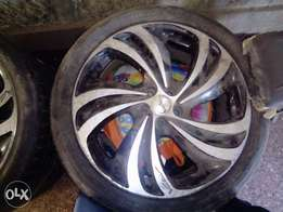 Size 15 alloy rims with tyre