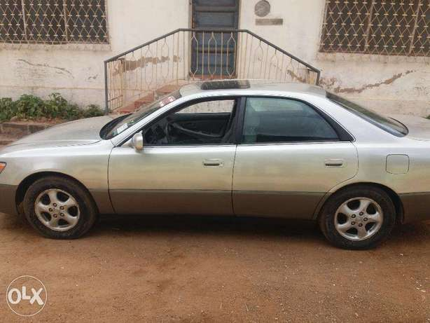 lexus ES 300 with AC working perfectly Ibadan South West - image 3