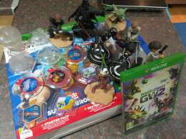Xbox one - Disney Infinity 2.0 Starter pack with xtra 3.0 characters