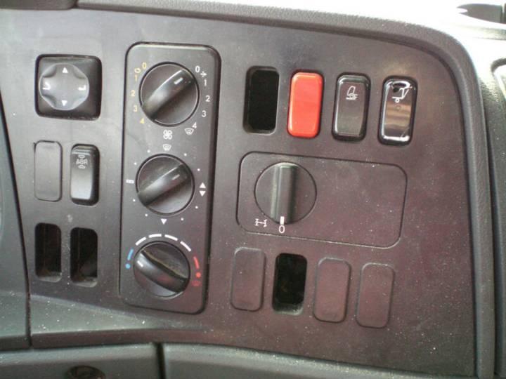 Mercedes-Benz 818 L Atego Pritsche Plane Ladebwordwand - 2010 - image 9