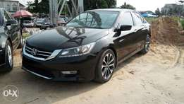 Smooth Handling Honda Accord 2013 Model With Full Factory Options.