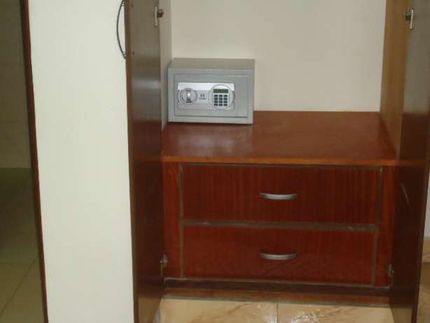 Beautifully furnished three bedroom apartment for shortlets Nyali - image 3