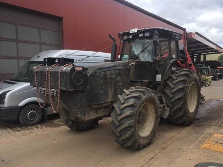 Valtra Schlepper / Traktor T171 - 2012