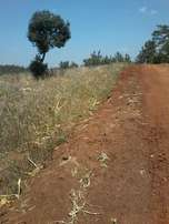 2 and 1/2 acres fronting river at Makuyu, Mihango. 5.5 kms off tarmac