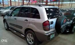 First body, chilling AC, Toyota rav4 2003