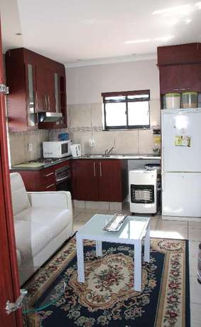 Roomy, modern 1-bedroom apartment in TABLE VIEW, unfurnished. Table View - image 3