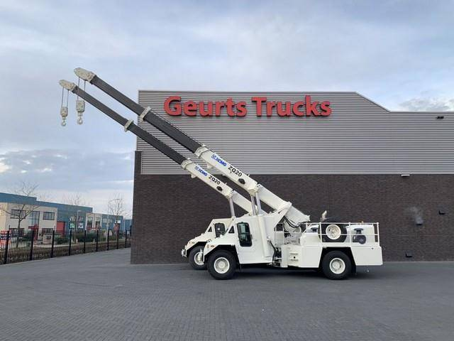 XCMG zq 20 tons pick and carry crane 2x in s - 2010
