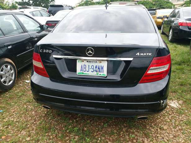 2010 Mercedes Benz C300 4matic Garki 1 - image 2