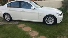 Bmw E90 323i white 2009 model facelift