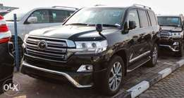 Toyota Land cruiser V8 2011 model