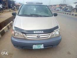Toyota Siena 2002 model 4 sale