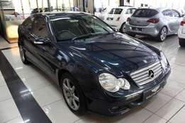 2006 Navy Mercedes-Benz C230 V6 Coupe