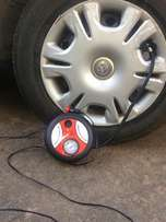 Tire inflator machine