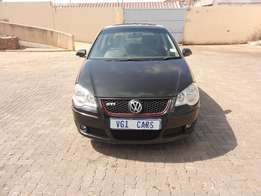 vw polo 1.6 2008 model 85000km black in color,sunroof R70000
