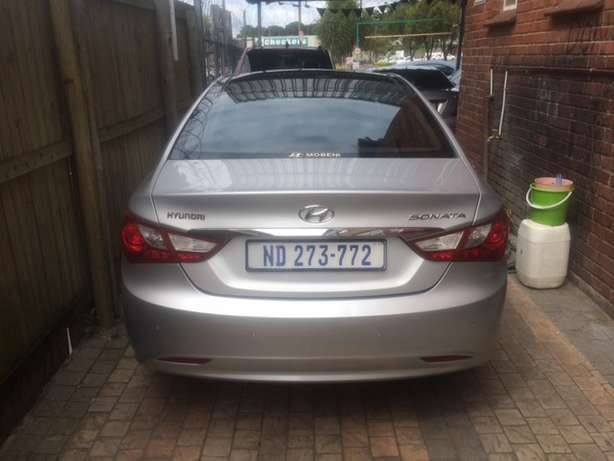 2012 Hyundai Sonata 2.4 GLS Executive Automatic Pinetown - image 3