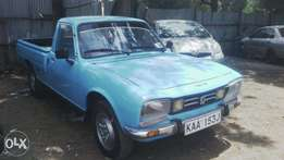 Very clean and well serviced peugeot 504, KAA, 5 speed, magneto
