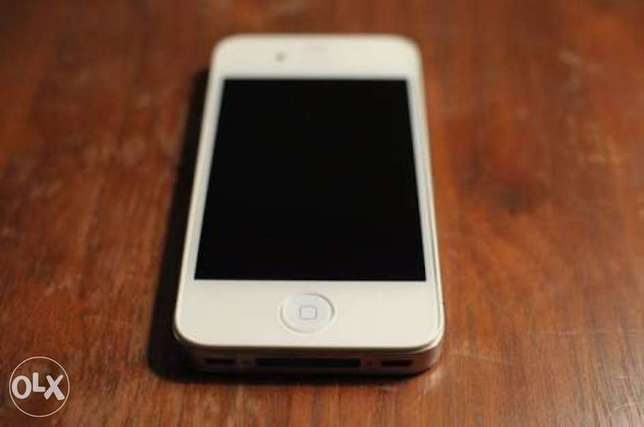 clean iphone 4 sale or swap Port Harcourt - image 1