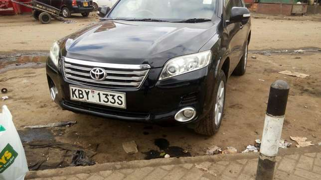 Extra clean Toyota Vangurd pure leather seats Just buy and drive Nairobi CBD - image 6