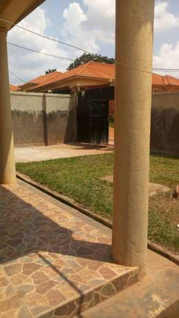 Three bedroom stand alone house for rent in najera at 750k Kampala - image 8