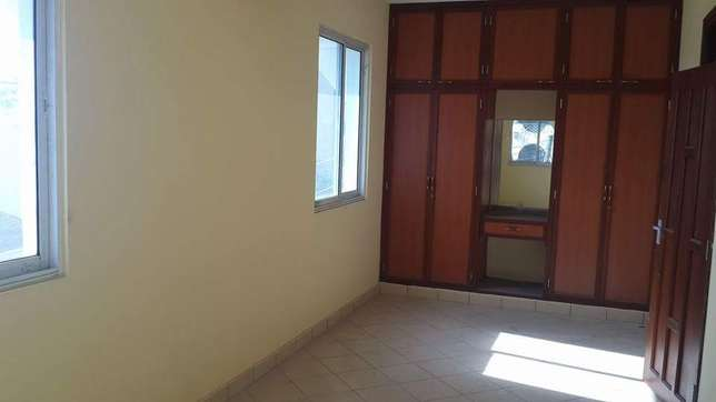 Luxurious and very spacious 3 bedroom apartment to let Nyali - image 2