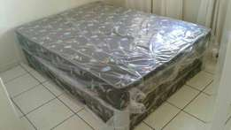 Dubbel bed base and mattress