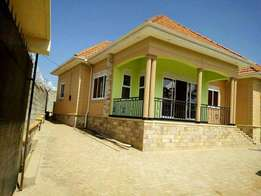Beautiful 4bedroomed house in Kira
