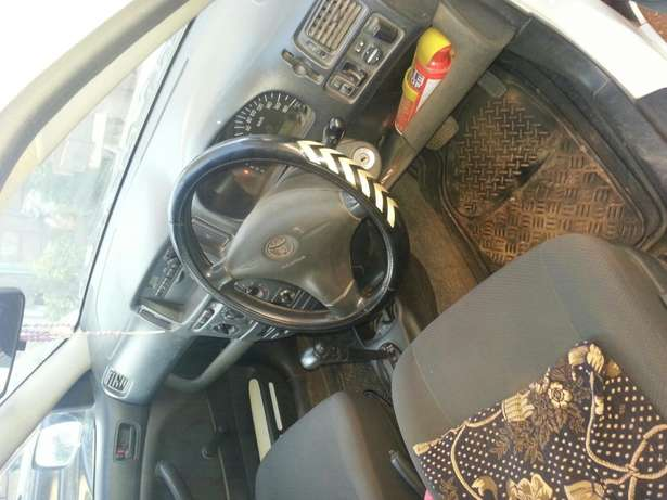 Selling a very well maintained personal vehicle. Kiwanjani - image 4