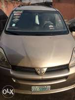 Used Toyota Sienna 2004 for sale