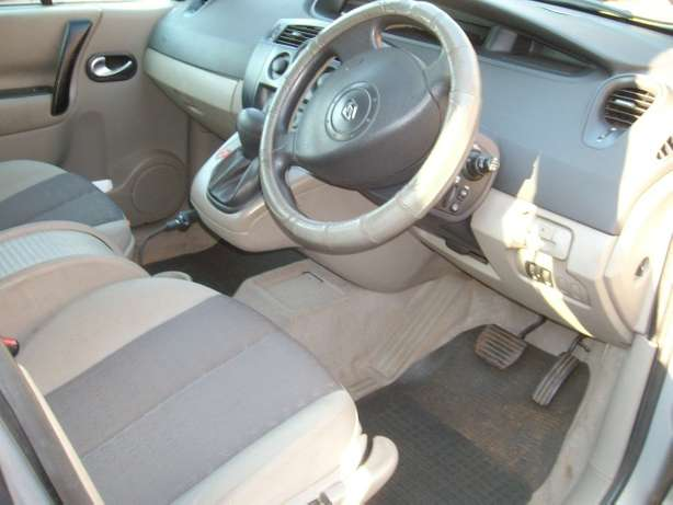 renault scenic 2.0 auto 7 seater East Rand - image 3