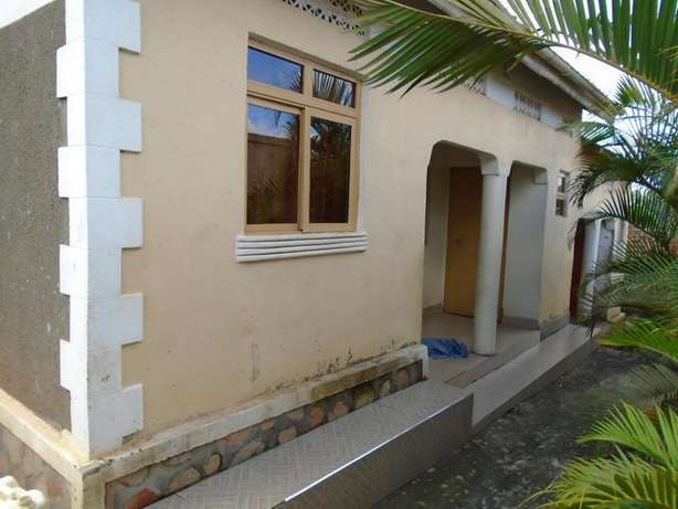 Adorable rental units for sale in Nabingo at 60m Kampala - image 2