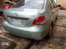 Clean Toyota yaris for sale
