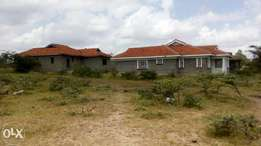 Kitengela 3 Houses with 3 bedrooms for sale Ksh.12.4 m( all)