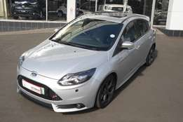2014 Ford Focus 2.0ST 3