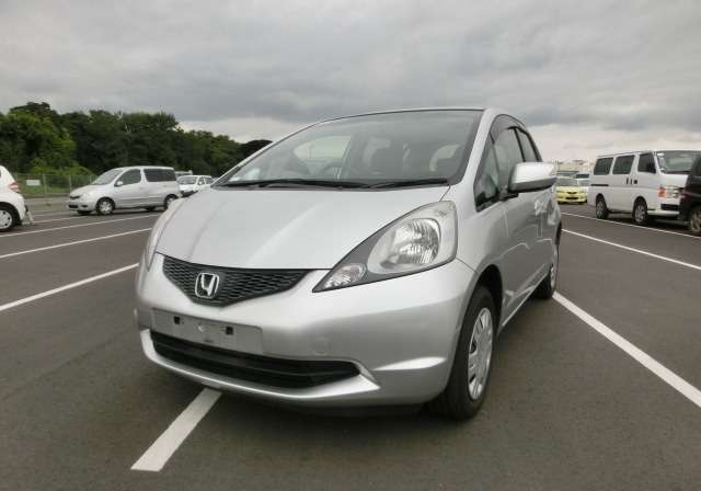Honda Fit:in mint condition,2009,all colours available Nairobi CBD - image 2