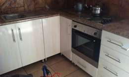 We specialize on renovating nd building new kitchen and badroms unity