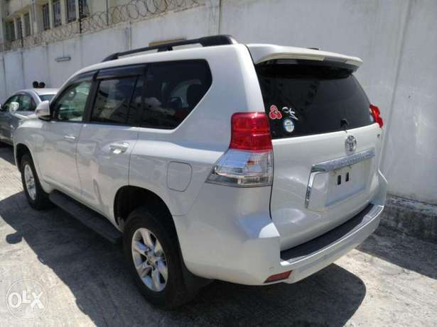 Toyota Prado 7seater 2011 model KCN number. Loaded with alloy rims , Mombasa Island - image 4