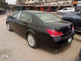 A very smooth and neatly used 2006 Toyota avalon, leather, cd, ac.